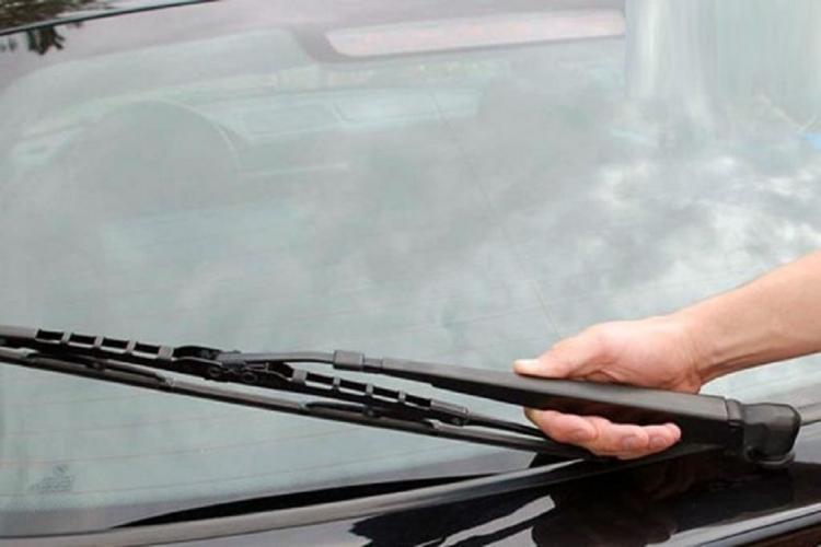 Ternyata Inilah Cara Merawat Wiper Mobil Dengan Benar
